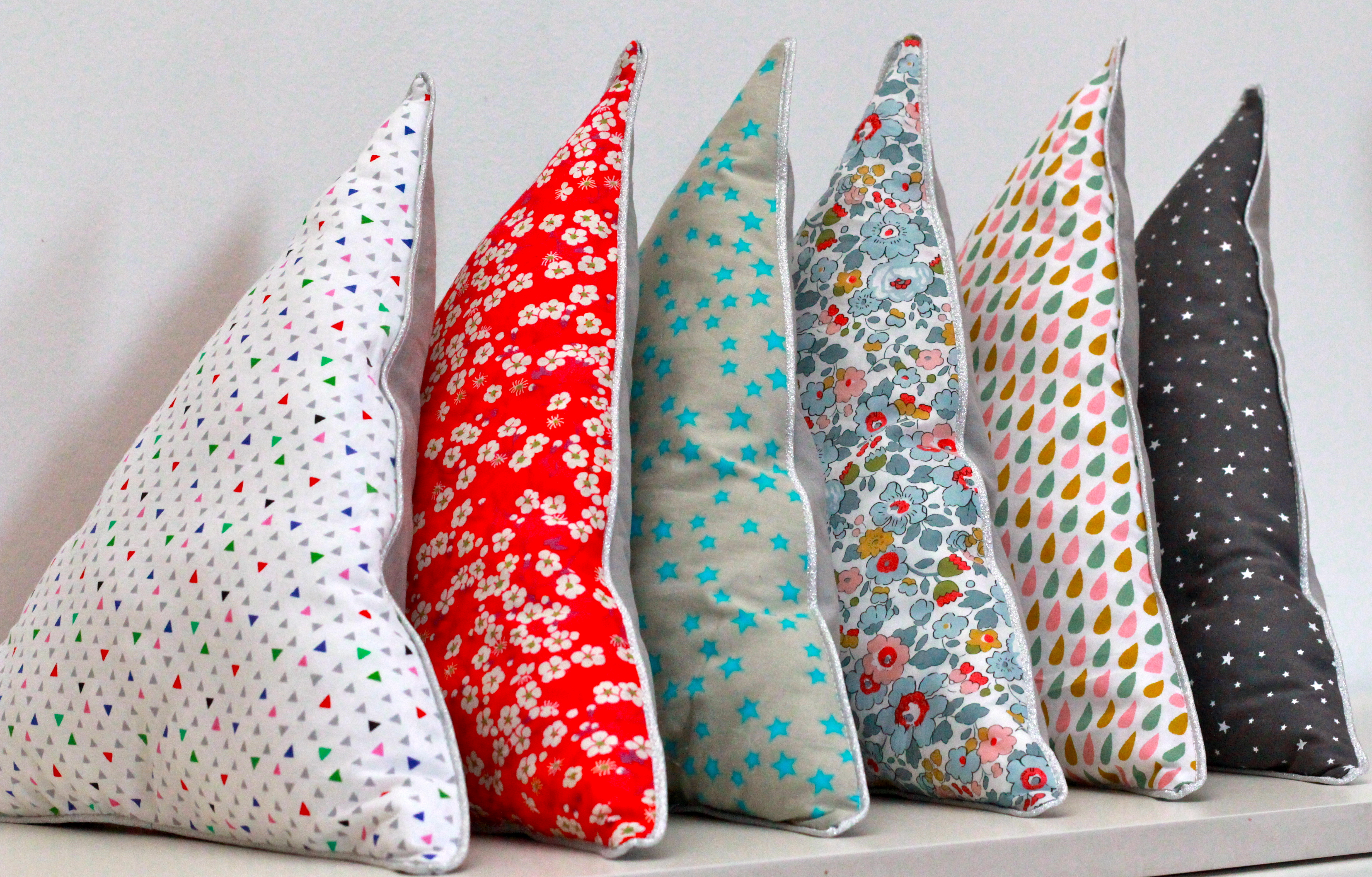 coussin triangle coussin triangle | Atelier numéro4 coussin triangle